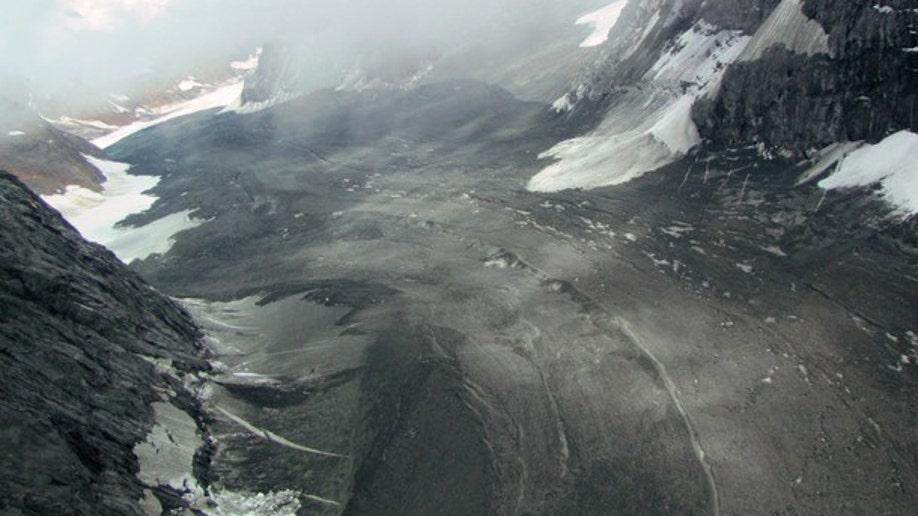 8d0b03db-Massive Landslide