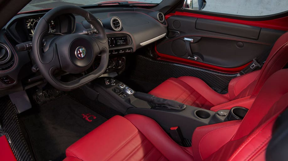4a7bb1a7-2015 Alfa Romeo 4C