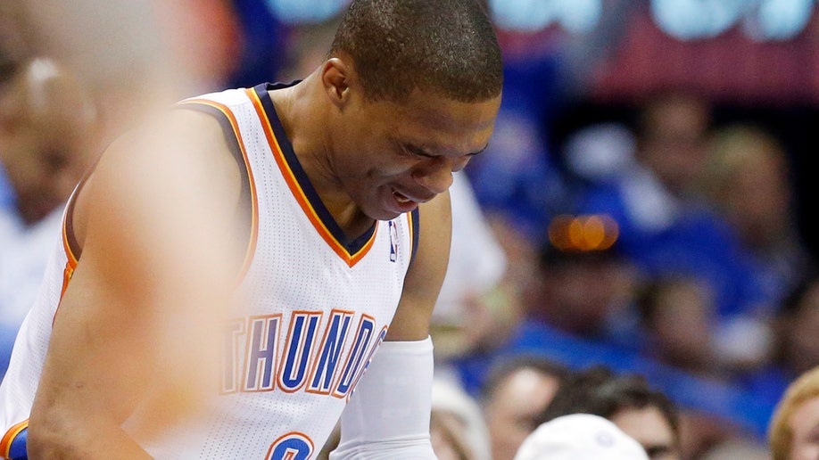 b151be87-Thunder Westbrook Injured Basketball