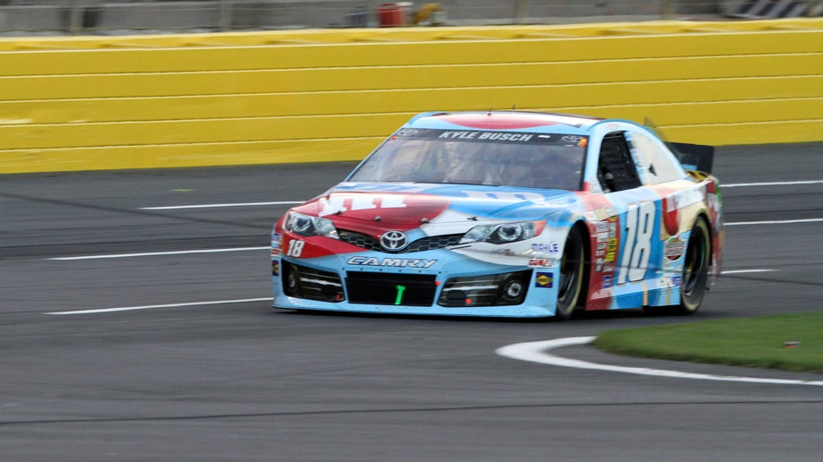 cac914ac-NASCAR Charlotte Snapped Cable Auto Racing