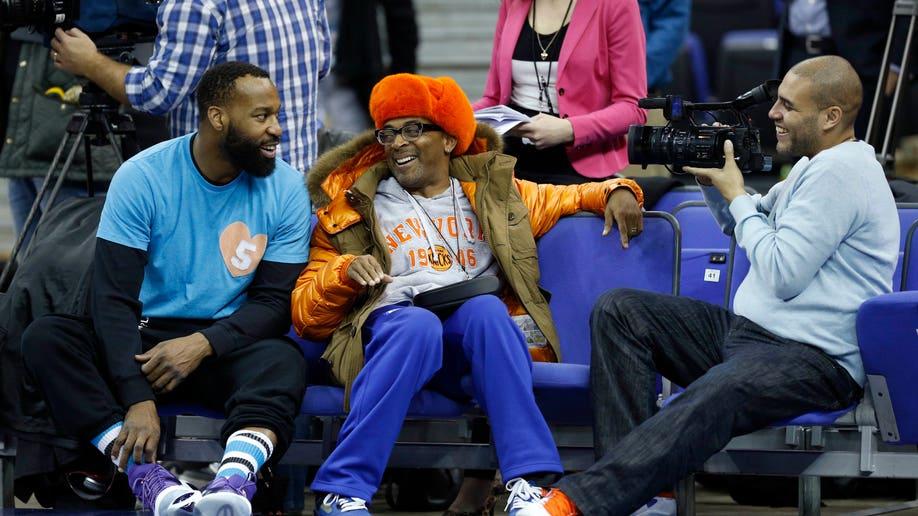 7eccaf2f-Britain Pistons Knicks Basketball