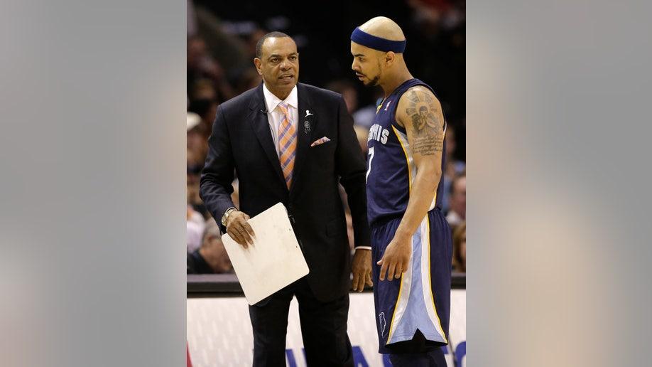 4612923d-Grizzlies Spurs Basketball
