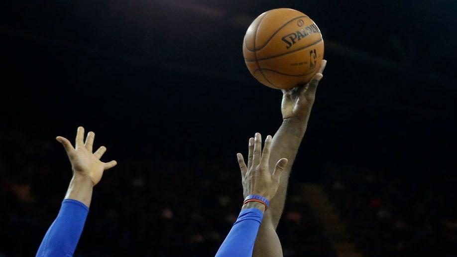 297d5c41-Britain Pistons Knicks Basketball