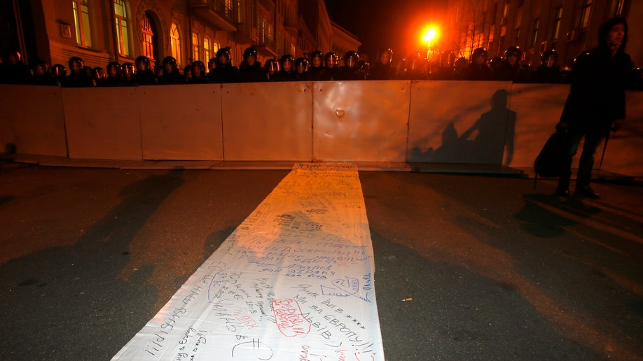 1cf479cd-Ukraine EU Protest