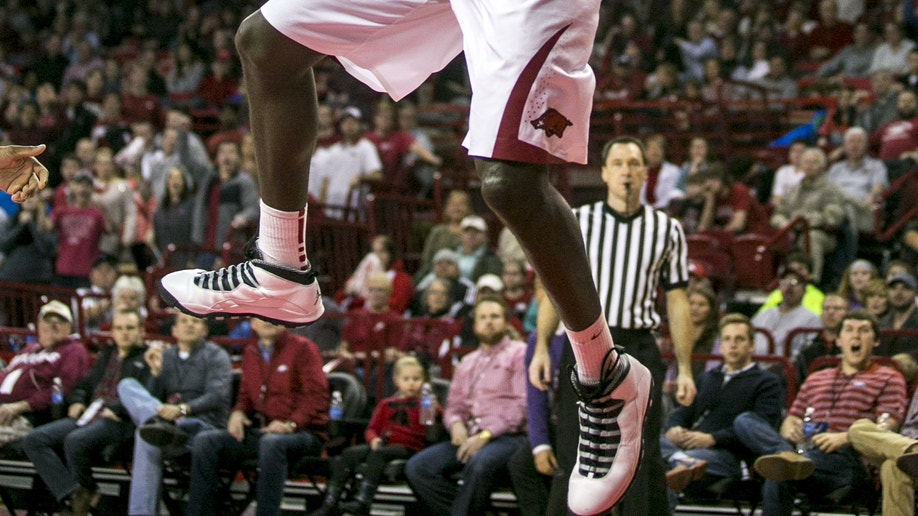 753e08c4-Alabama Arkansas Basketball