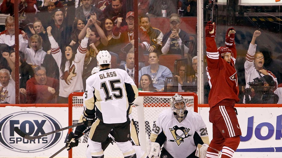 1a771b32-Penguins Coyotes Hockey