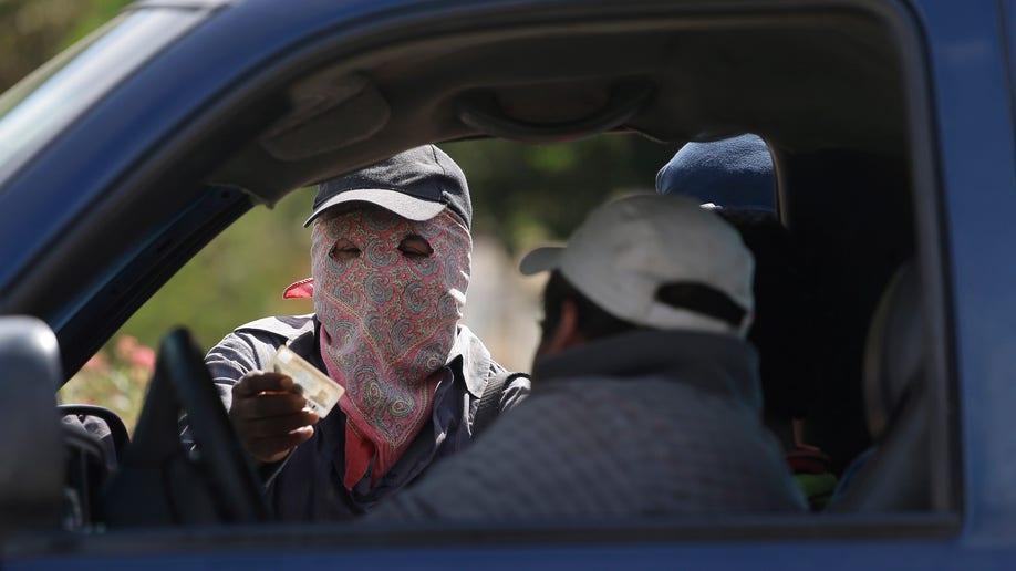 ca4c1ac8-Mexico Vigilantes