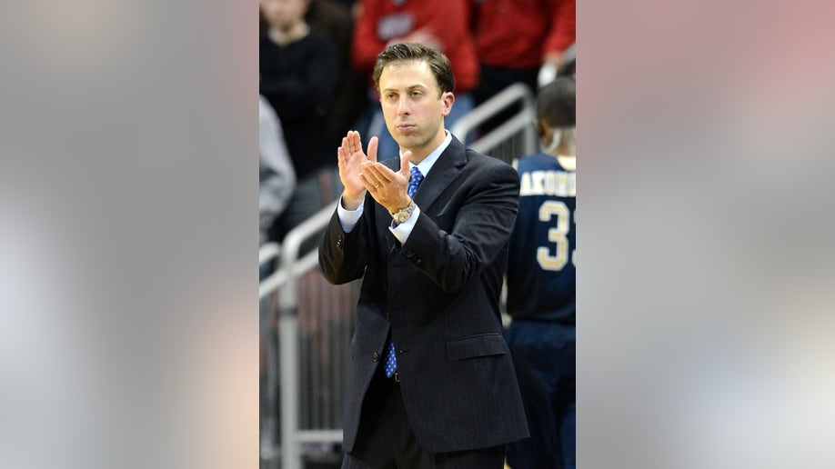 Minnesota Richard Pitino Basketball