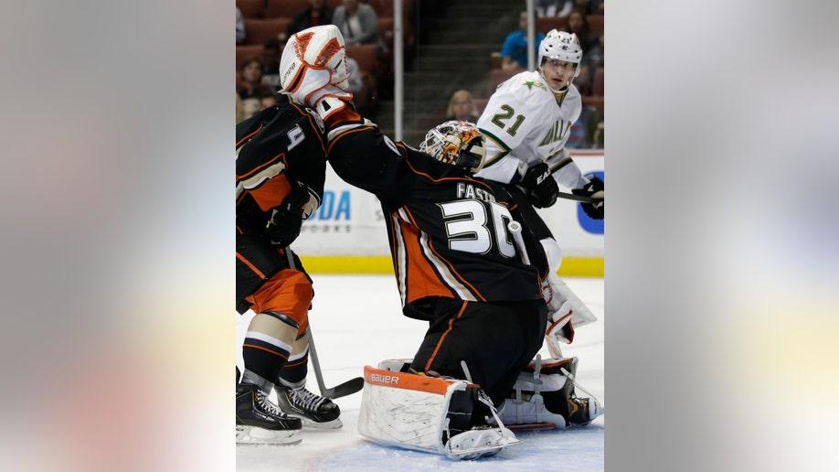 f23d50cb-Stars Ducks Hockey