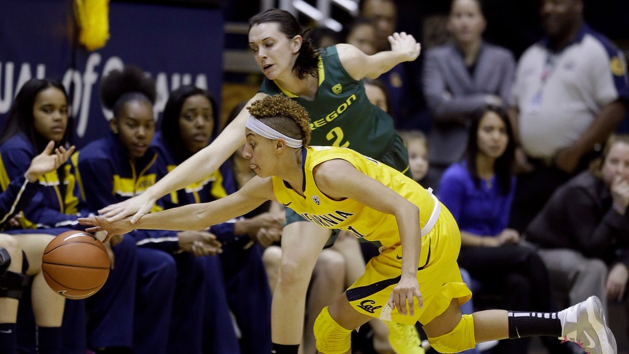 02b9169e-Oregon California Basketball