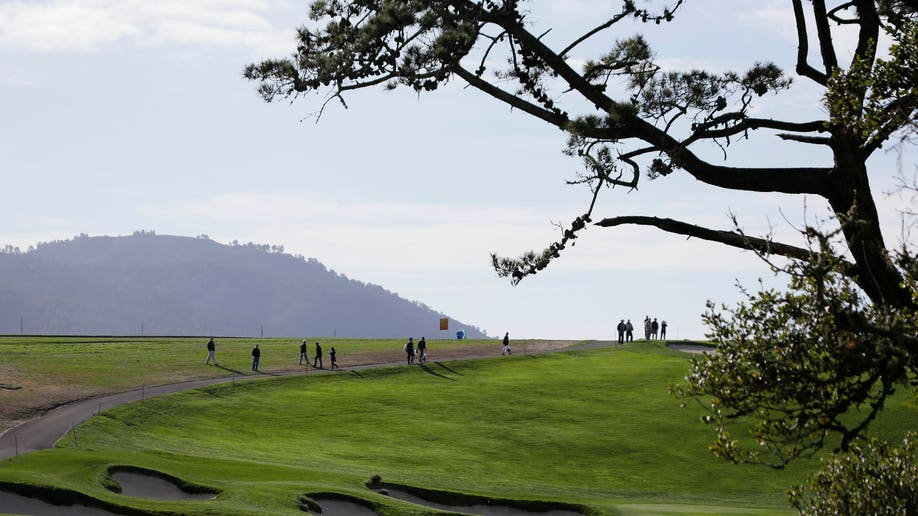 f8ea4b5b-Pebble Beach Golf