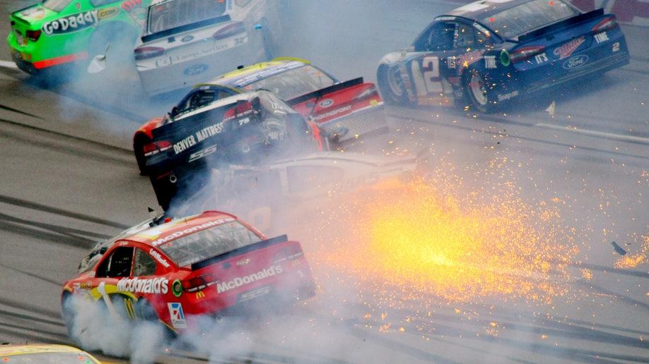 b7843ee9-APTOPIX NASCAR Talladega Auto Racing