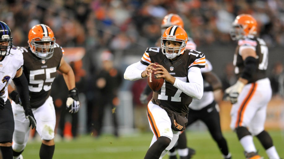 a67310d1-Ravens Browns Football