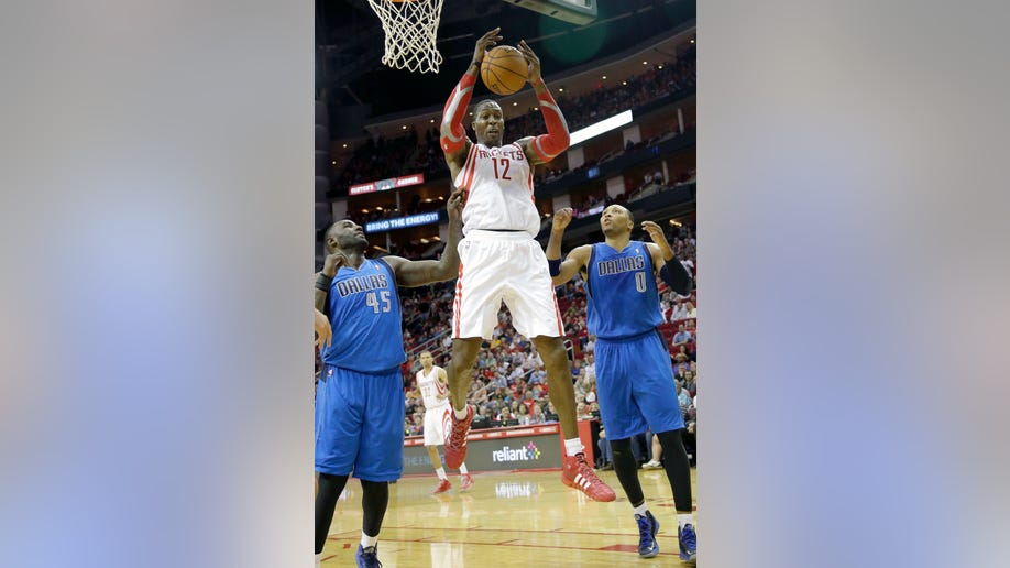 b7c31a8c-Mavericks Rockets Basketball