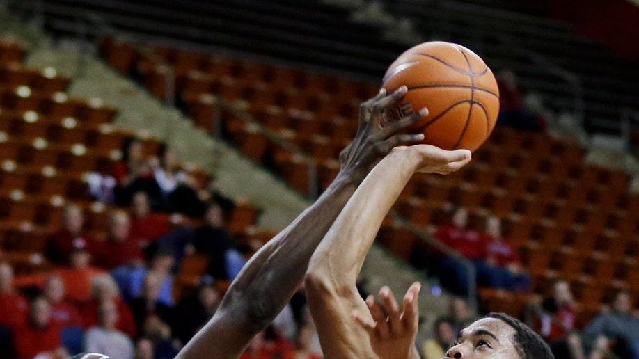 f2c13f93-South Florida Rutgers Basketball