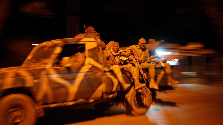 26e4e63b-Mali Fighting