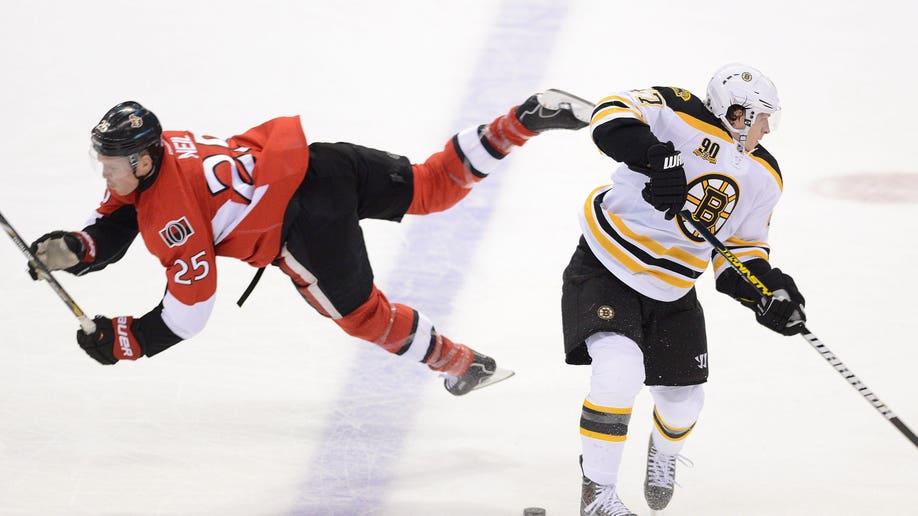 42b8c126-Bruins Senators Hockey