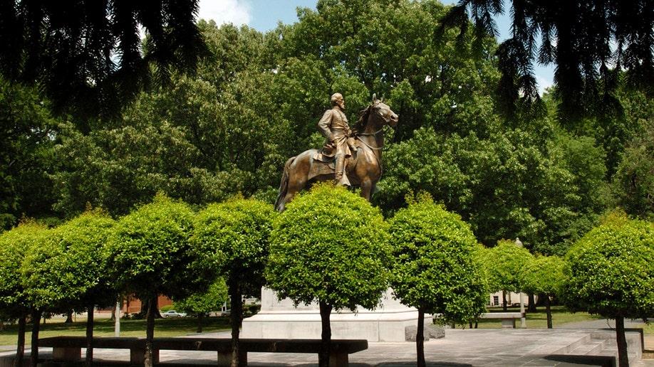 5a916f68-Confederate Parks