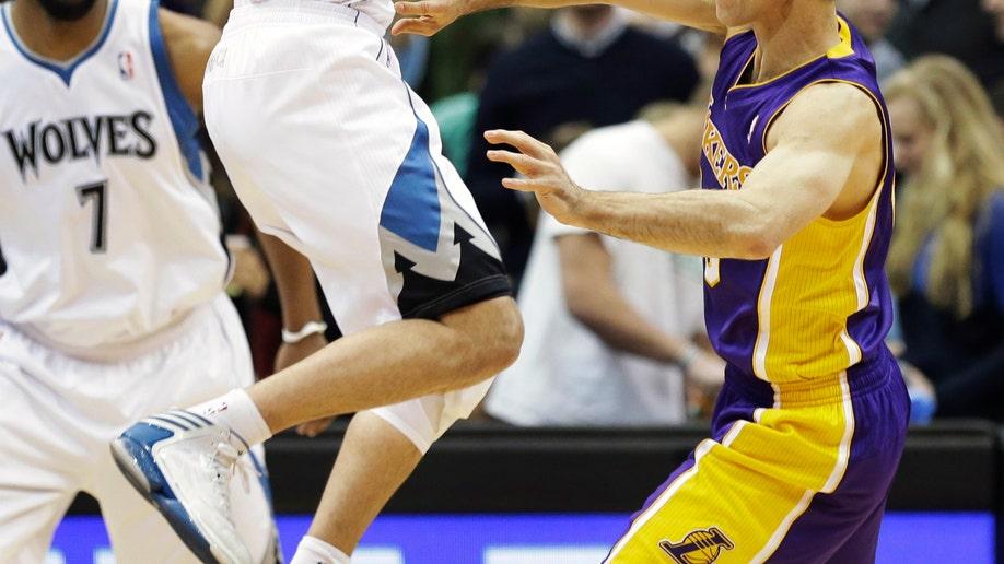 93391577-Lakers Timberwolves Basketball