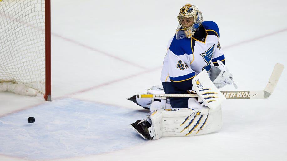 89e29abb-Blues Canucks Hockey