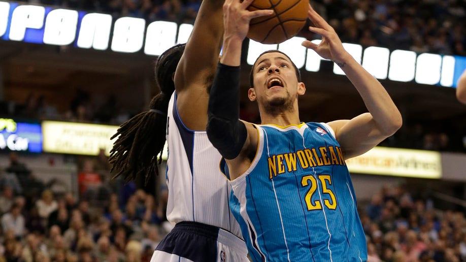 888df0e5-Hornets Mavericks Basketball
