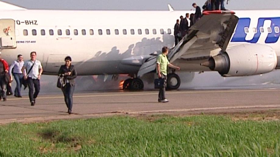 bc71f27e-Russia Plane Fire