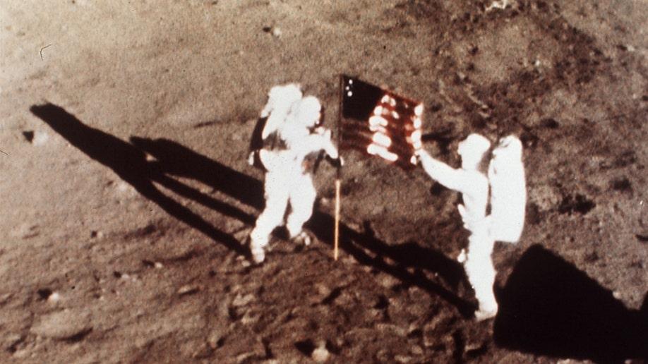 bcb0e432-Obit Neil Armstrong