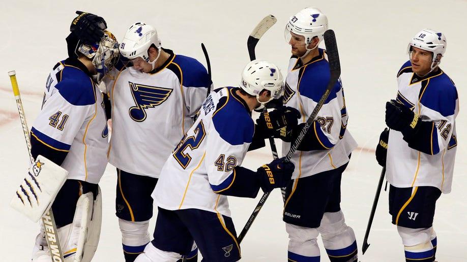 4427fcb0-Blues Blackhawks Hockey