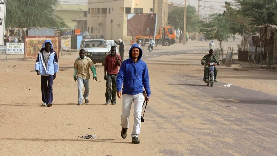 435f1021-Mali Timbuktu Coming Home