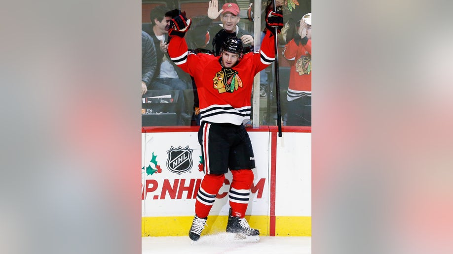 94172136-Panthers Blackhawks Hockey