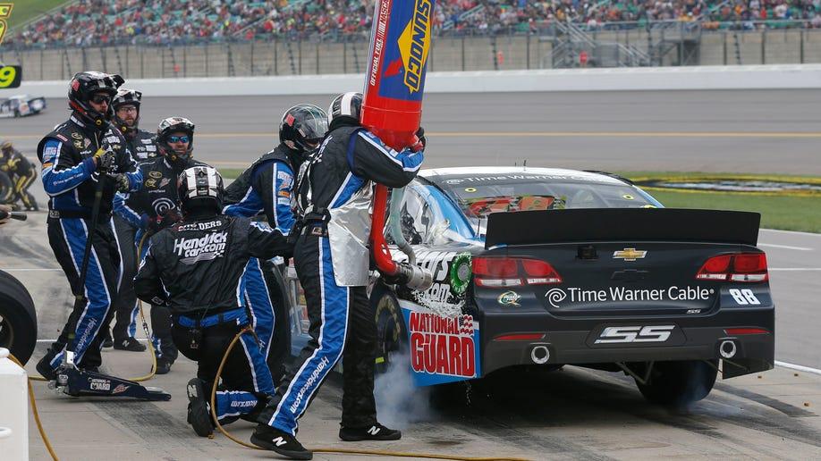218dff6e-NASCAR Kansas Auto Racing