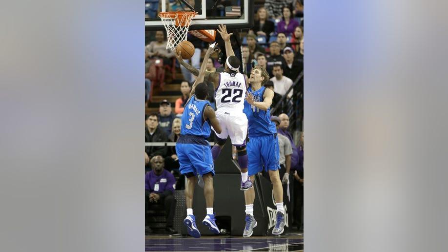 076e46e6-Mavericks Kings Basketball