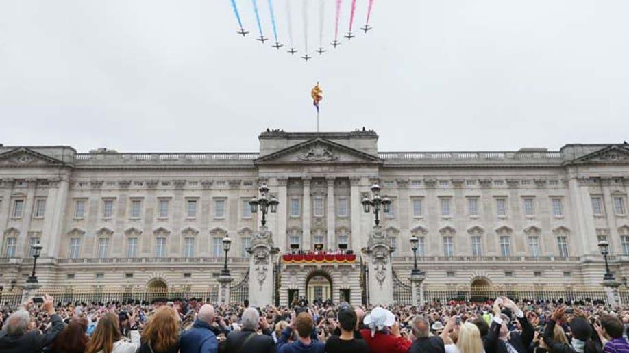90ee78d1-Britain Crumbling Palace