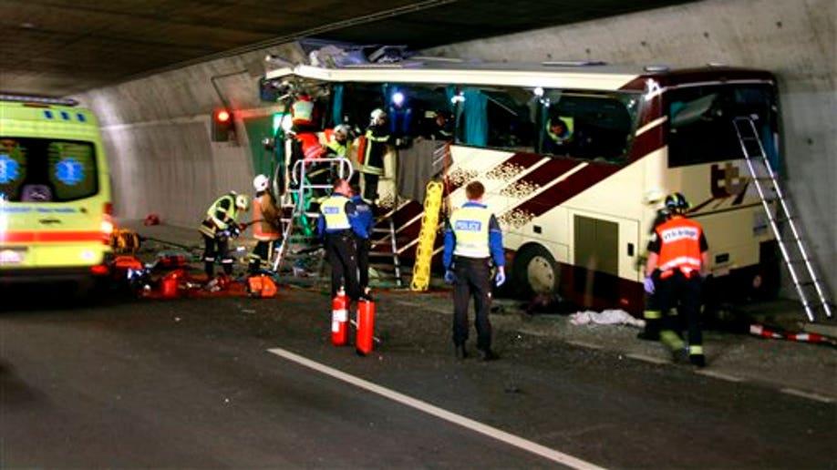 ae215313-Switzerland Tunnel Bus Crash