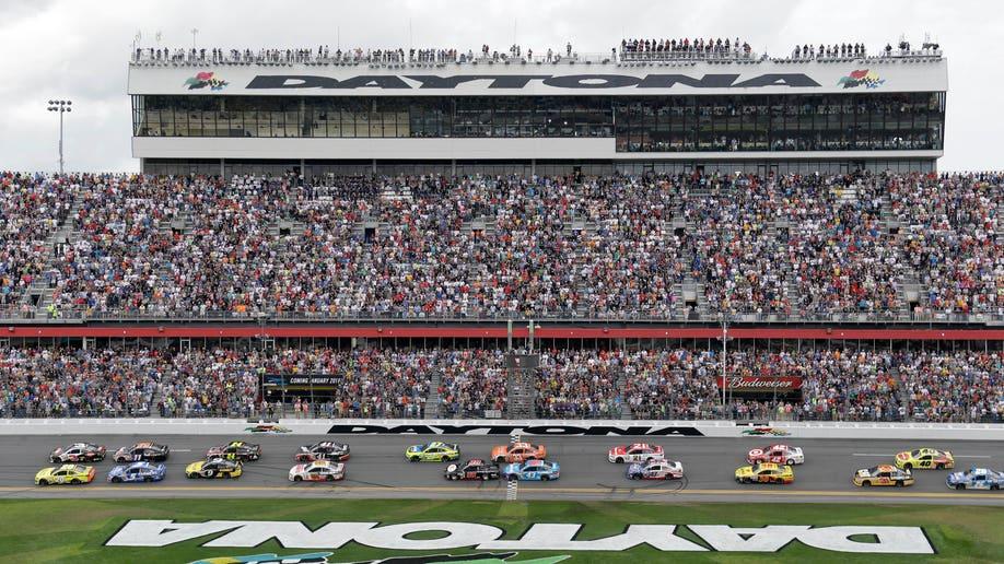 4ce7f455-NASCAR Daytona 500 Auto Racing