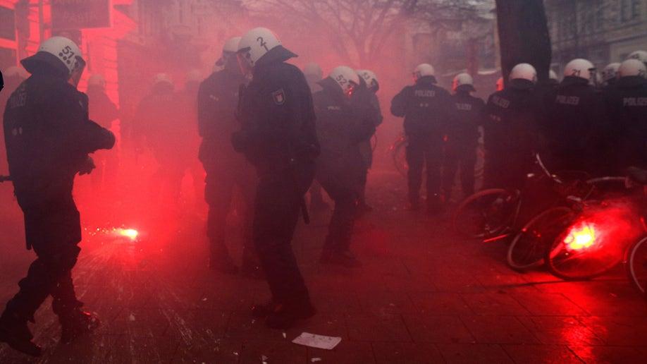 2a270a5b-Germany Hamburg Riots