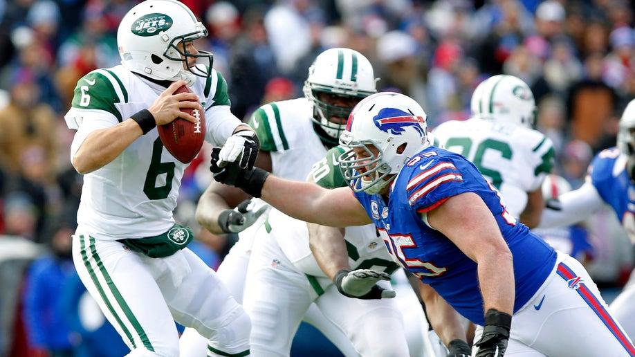eab4f8d5-Jets Bills Football