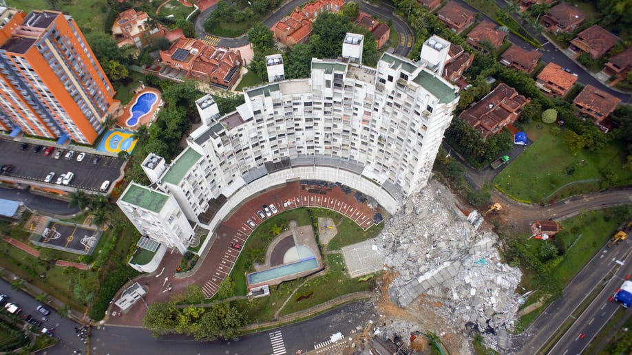 bdd3452f-Colombia Building Collapse