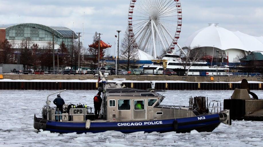 dd13d12a-Chicago River Rescue