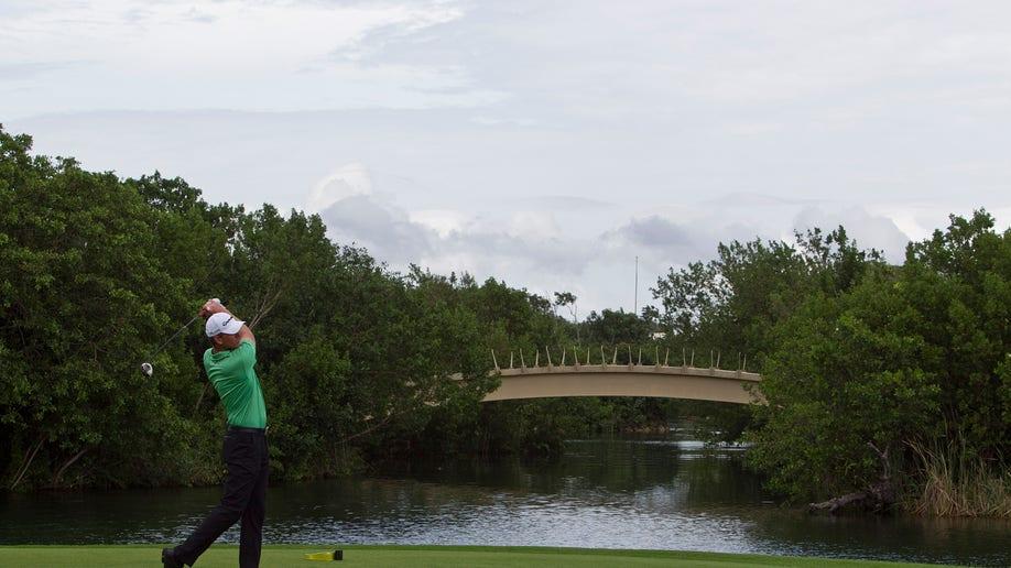 67088ed8-Mexico PGA Golf