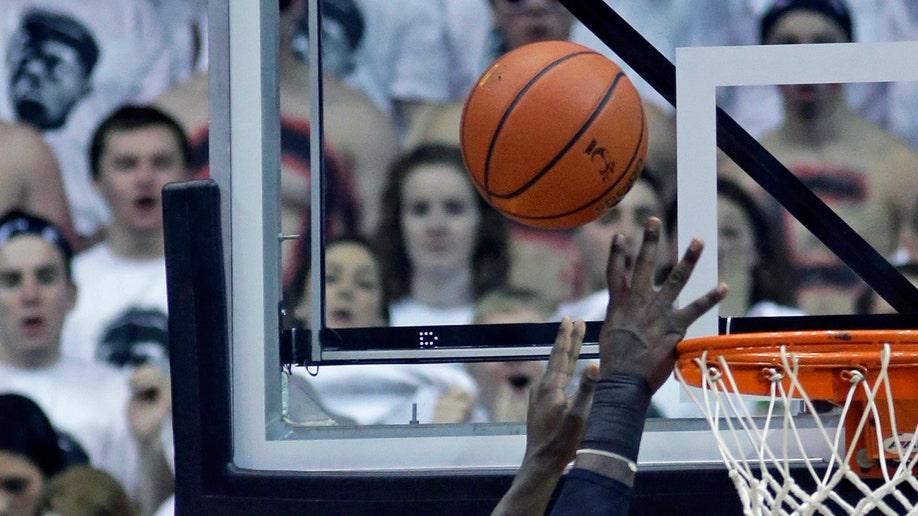 Louisville Cincinnati Basketball