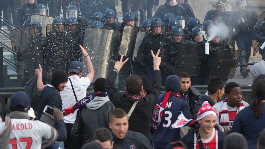 714384d4-APTOPIX France Soccer PSG Celebrations