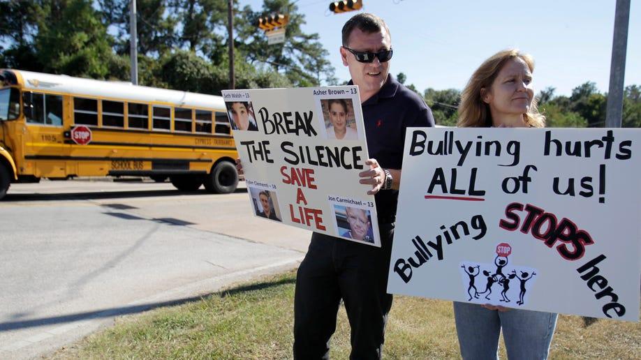 dcc17ba4-MED Gay Bullying