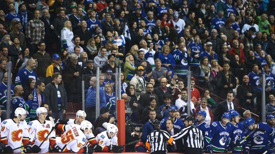 4b3ee176-Flames Canucks Hockey