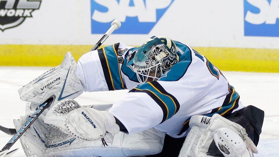 68b172e2-Kings Sharks Hockey