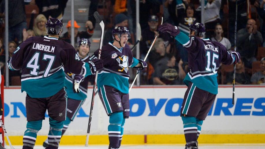 Senators Ducks Hockey