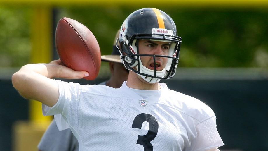 01e117b7-Steelers Rookies Football