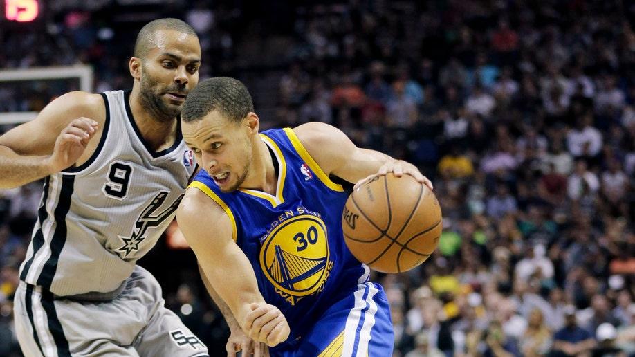 bdce18df-Warriors Spurs Basketball