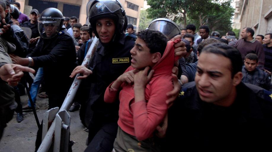 cee75c44-Mideast Egypt