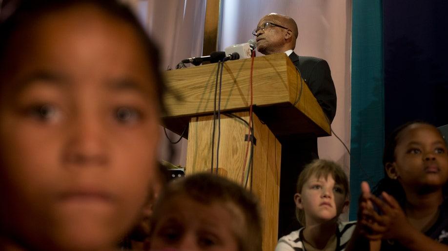 c7067291-South Africa Mandela Mourning